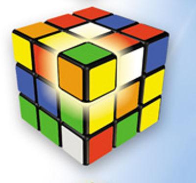 مکعب های سه رنگ گوشه ها