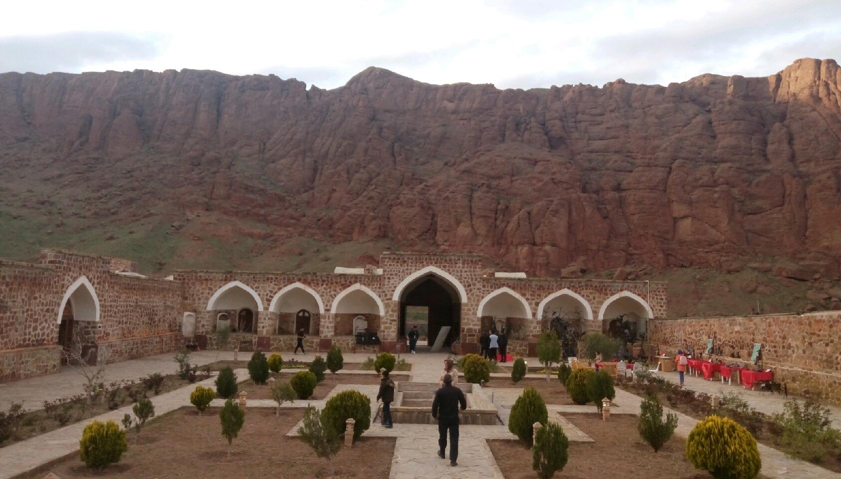 کاروانسرای خواجه نظر که محل اتراق تجار ابریشم