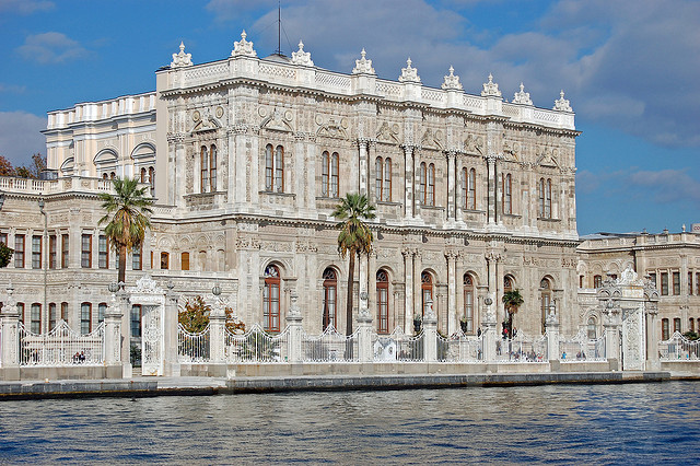 rn5w_dolmabahce_palace.jpg