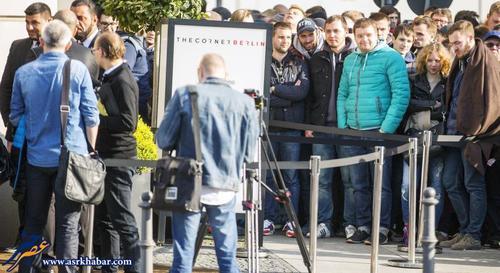 تصاویر صف مردم برای خرید ساعت اپل