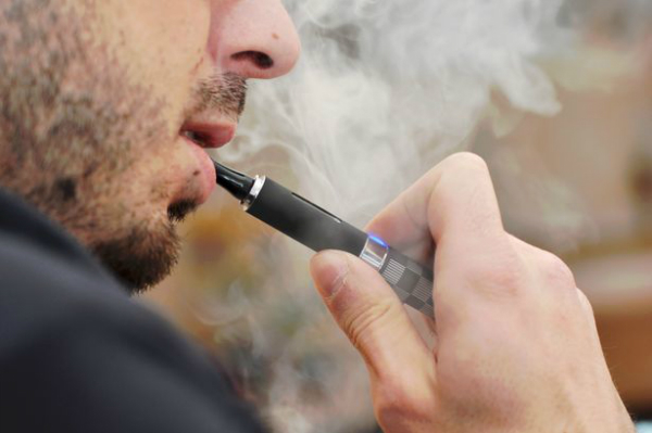 ضرر نیکوتین موجود در سیگارهای الکتریکی بیش از چیزی است که تصور می کنید
