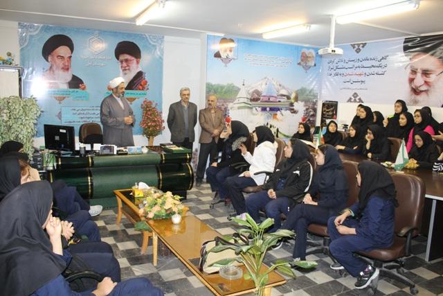 بازدید دانش آموزان مدرسه داعی الاسلام از اداره اوقاف و امورخیریه آمل