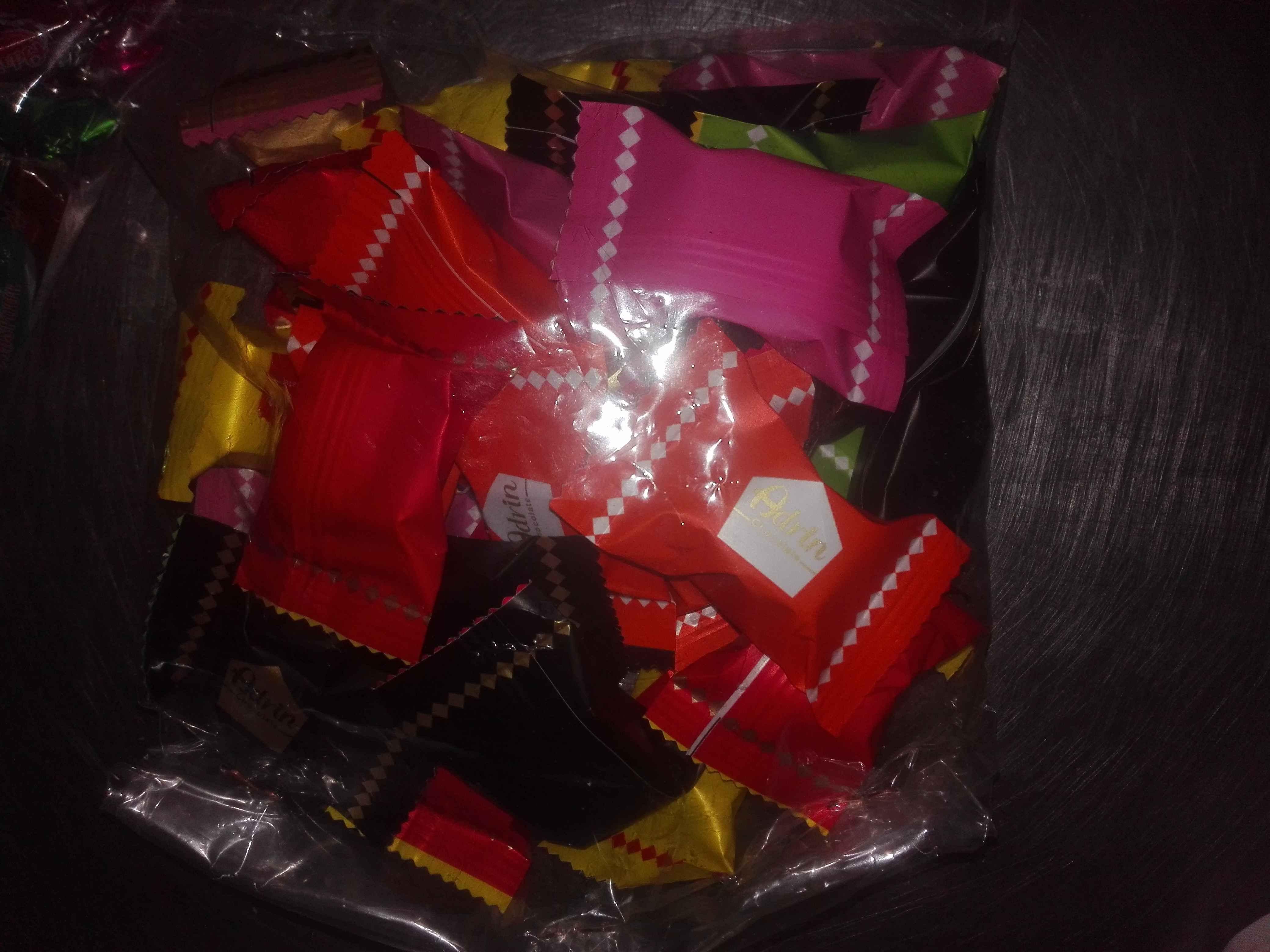شکلات تلخ آدرین