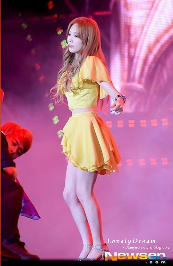 tuur_holler_concert_-_taeyeon.jpg
