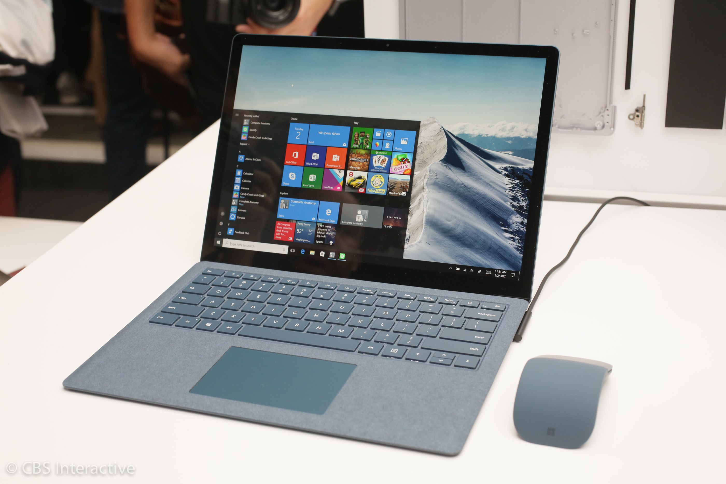 لپ تاپ دانشجویی Microsoft Surface Pro