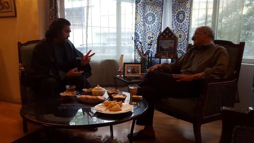 محترم مسعود خليلي سفير پيشن افغانستان در اسپانيا و احمد محمود امپراطور