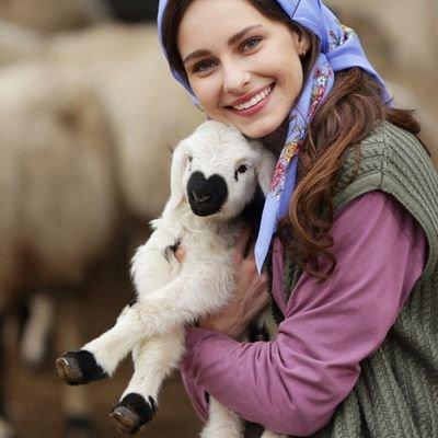 عکس های جسیکا می jessica may بازیگر نقش بلا Bella در سریال تازه عروس