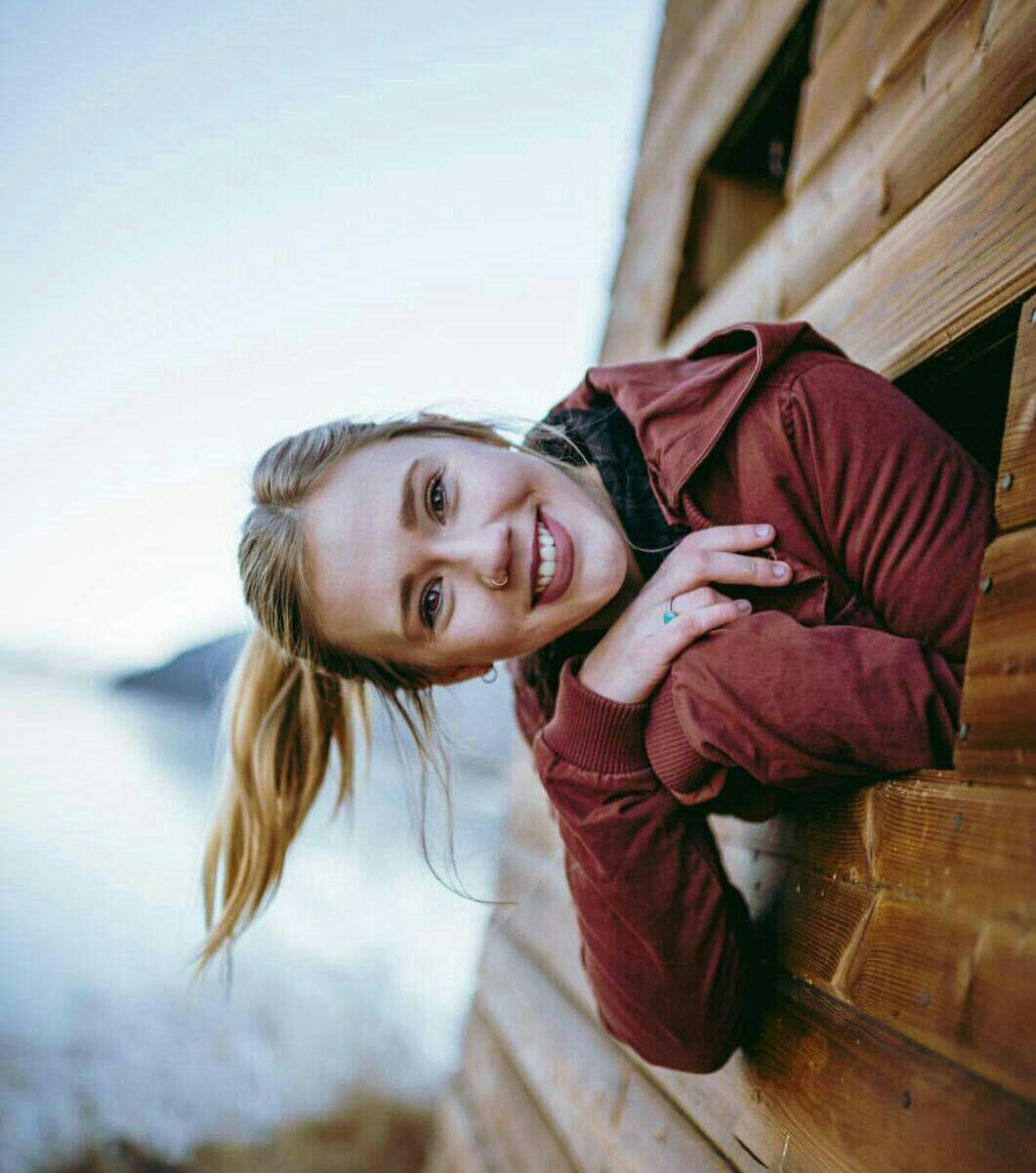 عکس دختر شاد