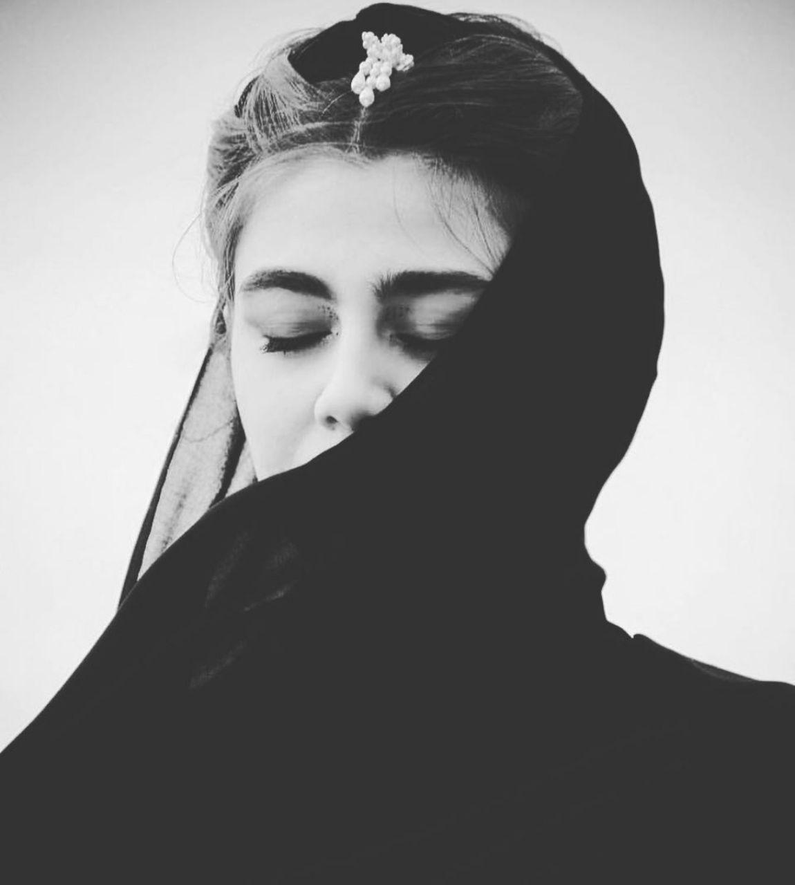 عکس دختر غمگین