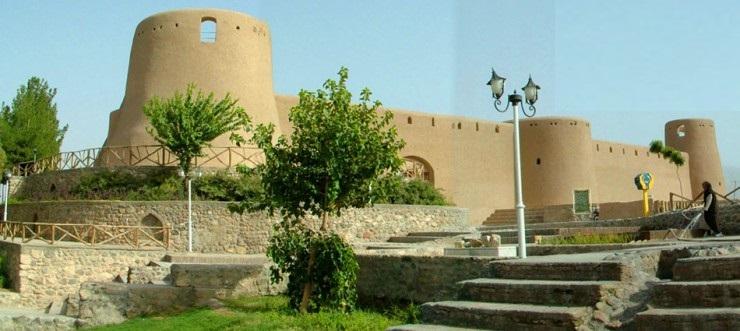 نمای ورودی قلعه
