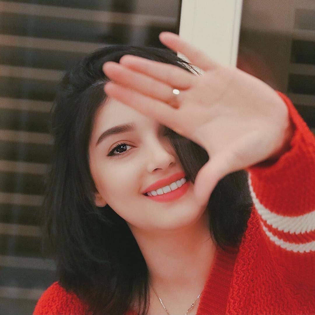 عکس دختر زیبا و شاد