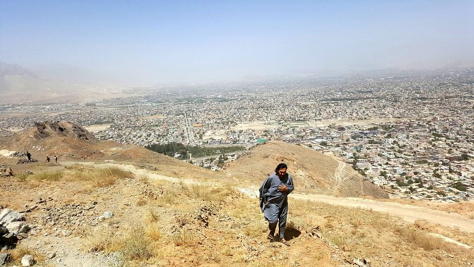 نمایه شهر کابل از کوه چهلستون در تصویر احمد محمود امپراطور AHMAD MAHMOOD IMPERATOR KABUL AFGHANISTAN