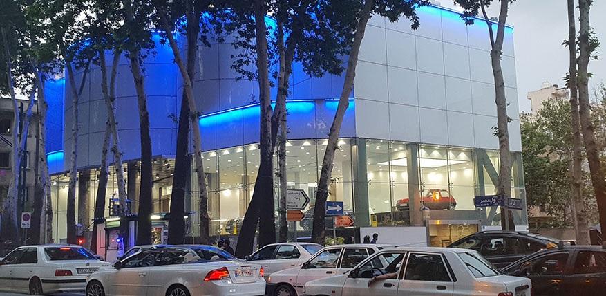 تابلو رنو و نگین خودرو از ساختمان مرکزی حذف شد / آیا نگین خودرو پلمپ می شود؟