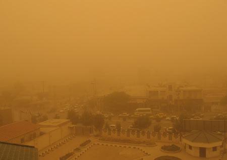 گرد و غبار، خوزستان را تعطیل کرد
