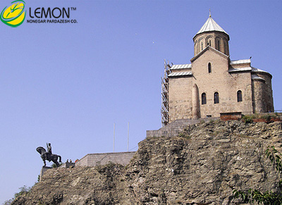 [تصویر:  y7kf_the_metekhi_church_of_the_virgin_640x466_x3u.jpg]
