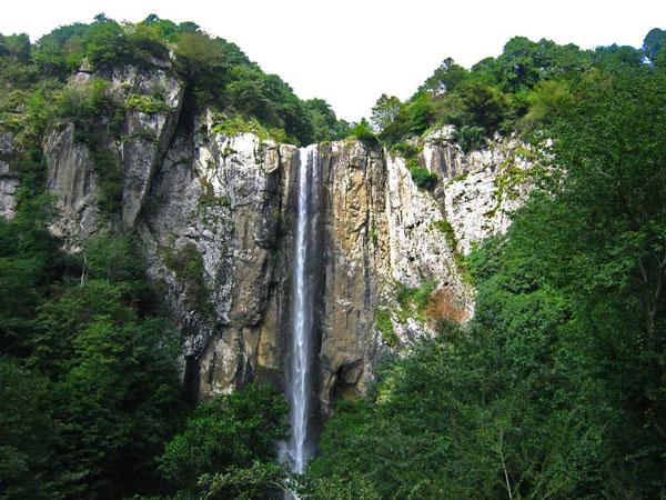 مرتفع ترین آبشار ایران در گیلان