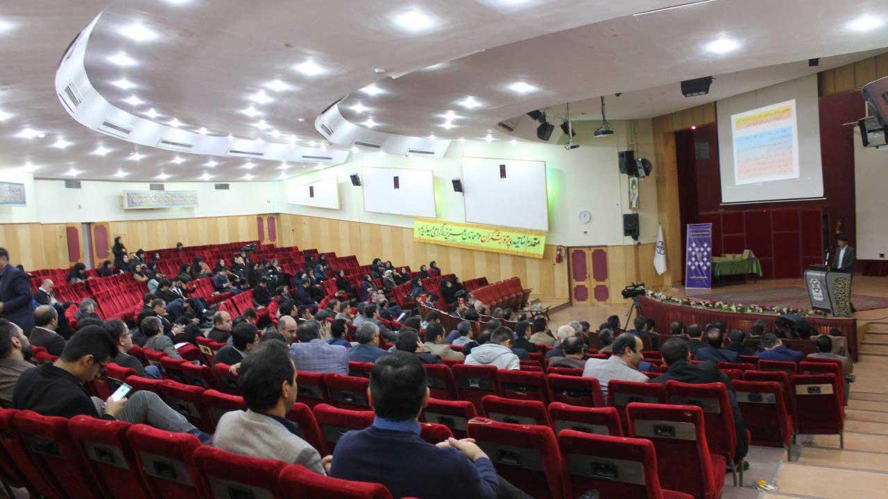تالار-مولوی-دانشگاه-کردستان