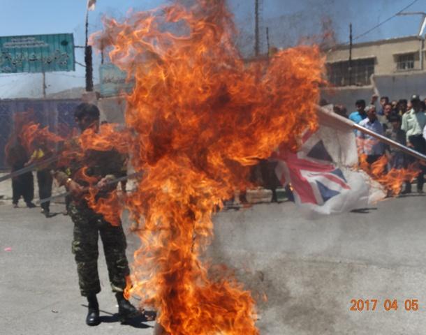 آتش-زدن-پرچم-آمریکا-و-اسرائیل-در-روز-جهانی-قدس-در-ملکشاهی+-تصاویر-