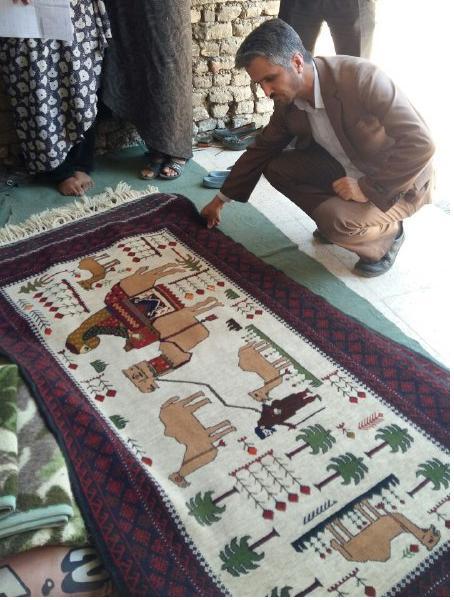 بازدیدکارشناسان میراث فرهنگی از هنر قالیچه بافی درآبیز