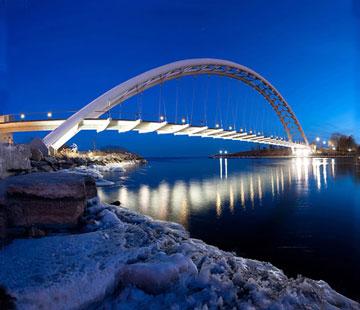 جالبترین پل های جهان،بهترین پل های جهان,http://uupload.ir/files/zty2_ir3182-7.jpg